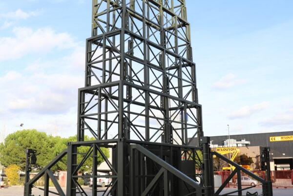 Self-deployable tower